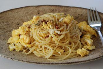 牡蠣オイルと炒り卵のパスタ