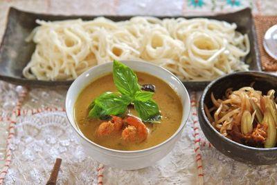 タイカレーで麺-2