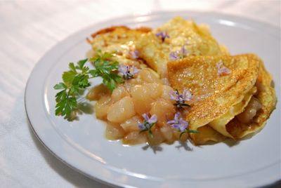 粉末高野豆腐のクレープとゼネラルレクラークのソース