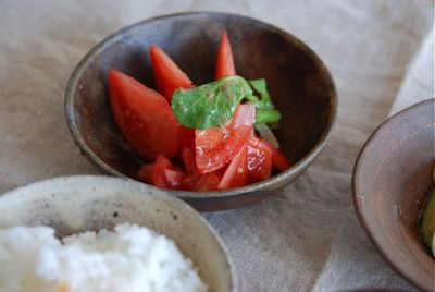 トマトの胡麻油ドレッシング