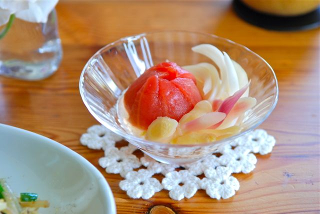 トマトとミョウガと葉生姜のピクルス