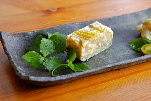トウモロコシと枝豆と卵の蒸し物