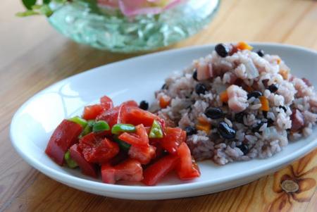 赤い枝豆とベーコンの炊き込みご飯