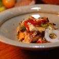 野菜とチーズをのせた鮭のグリル