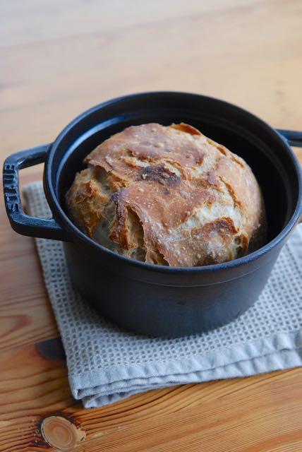 ストウブで焼いたパン