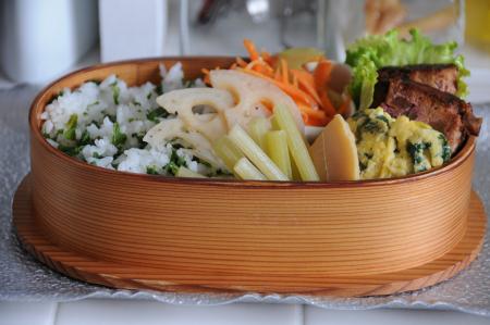 ミートローフと蕗の葉ご飯のお弁当