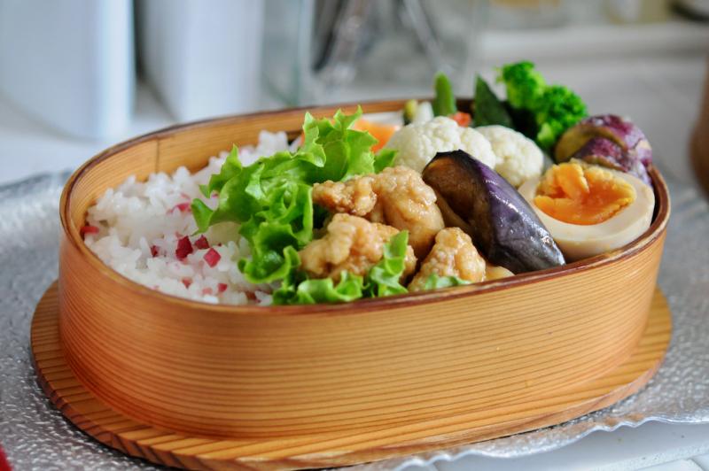 茗荷ご飯と鶏胸肉の南蛮漬けのお弁当